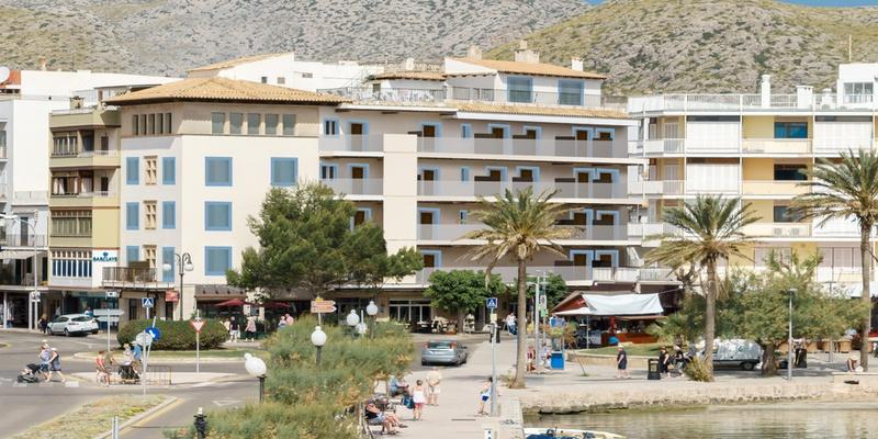 RECEPCIÓN 24 HORAS Hotel Eolo